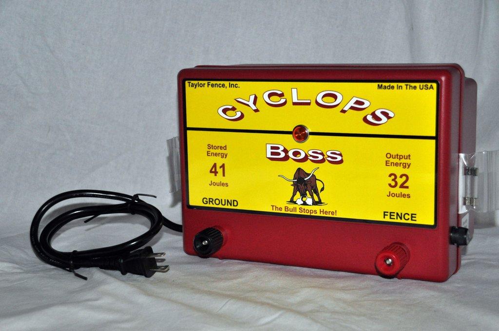 Una fuente externa de alimentación energética, que puede ser de 12 vol, 220 volt o dual 12/220 volt.