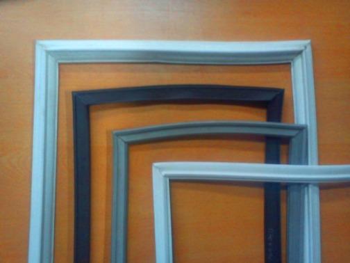 Comprobar que las gomas de las puertas (burletes) estén en buenas condiciones y cierren correctamente: se evitará pérdidas de frío.