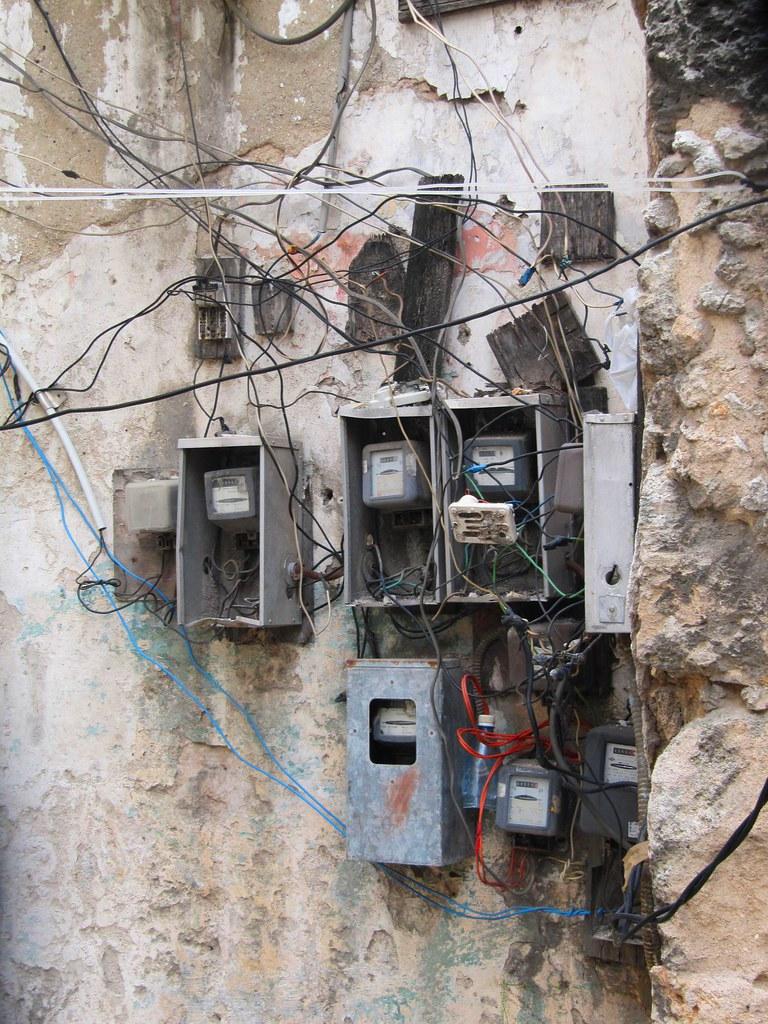 En ese sentido, una encuesta realizada por la Asociación para la Promoción de la Seguridad Eléctrica (APSE) reveló que el 75 por ciento de los hogares no contaba con las condiciones mínimas de seguridad eléctrica.