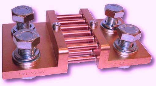El shunt de corriente de baja resistencia es la solución de más bajo costo actualmente disponible y ofrece una lectura sencilla con excelente precisión. Un modelo de este aparato es una resistencia.