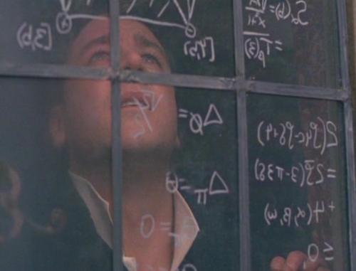 Los teóricos de juegos responden comparando sus supuestos con los que se emplean en física. Así, aunque sus supuestos no se mantienen siempre, pueden tratar la teoría de juegos como una idealización razonable, de la misma forma que los modelos usados por los físicos.