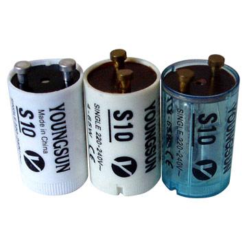 Las lámparas fluorescentes por precalentamiento utilizan un pequeño dispositivo durante el proceso inicial de encendido llamado arrancador, cebador, encendedor térmico o starter.