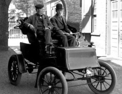 Pocos años después, aún con grandes mejoras en los automóviles y en las baterías, el mercado de los coches eléctricos empezó a reducirse y para 1920 este mercado ya era minúsculo.