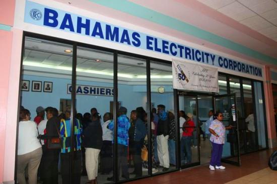 Por ejemplo, Bahamas Electricity Corporation contrató a la empresa Itron para instalar nuevos medidores y un sistema de recolección de datos remoto en el año 2004.