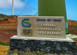 La isla de El Hierro comienza su conversión energética a 100% renovables.