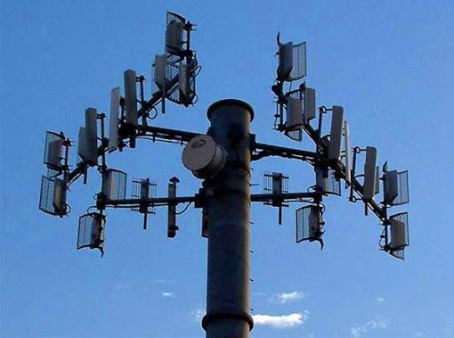 La contaminación electromagnética también es responsable de la interferencia entre dispositivos eléctricos.