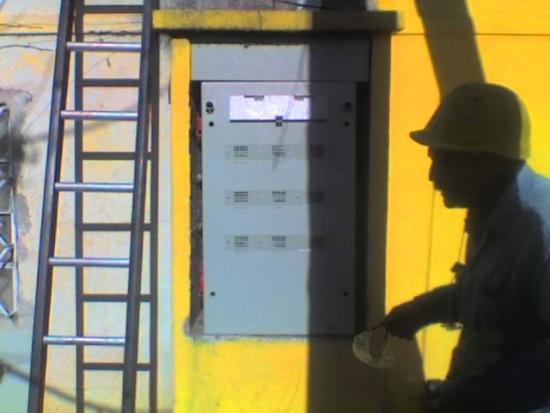 El progresivo aumento de actos vandálicos e intentos de vulneración de instalaciones de distribución de energía eléctrica ya sea a fin de proceder a la manipulación de medidores.