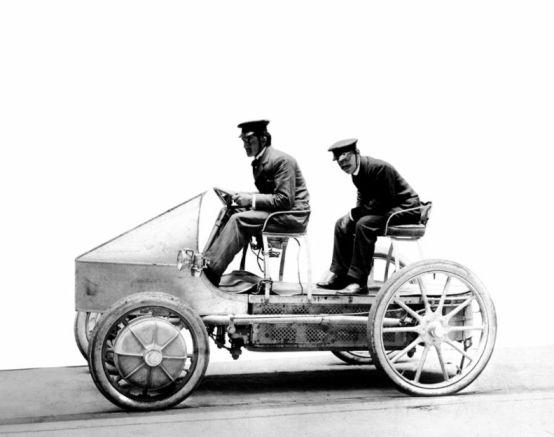 De esta manera, en 1901 nacía el primer automóvil eléctrico de autonomía extendida.