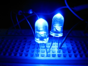 ¿Cómo se conectan los LEDs?