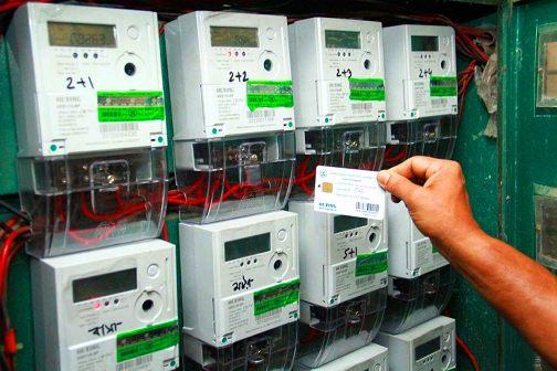 Se trata de un sistema que permite el uso de energía eléctrica previo pago de la misma. Primero se abona y luego la empresa pone a disposición la cantidad de KWh correspondiente al importe abonado.