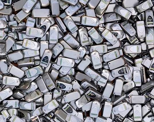 Respecto de los celulares, en los últimos dos años se desecharon en el país casi 10 millones, es decir, cerca del 30% del parque actual.