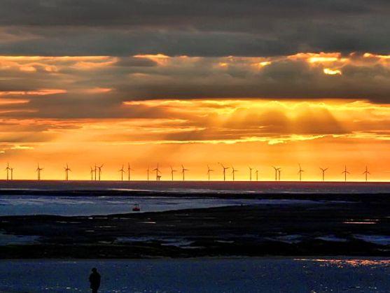 La historia de una Tercera Revolución Industrial y de una Nueva Europa Social es poderosa y transmite el mensaje que necesitamos tan desesperadamente en este punto crítico de la historia si queremos abordar el cambio climático y el cénit del petróleo y convertir a Europa en el faro guía del mundo.