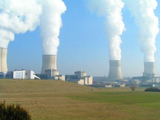 La contaminación por partículas de combustibles fósiles mata a decenas de miles de europeos todos los años y las emisiones de CO2 alimentan un cambio potencialmente calamitoso en el clima mundial.