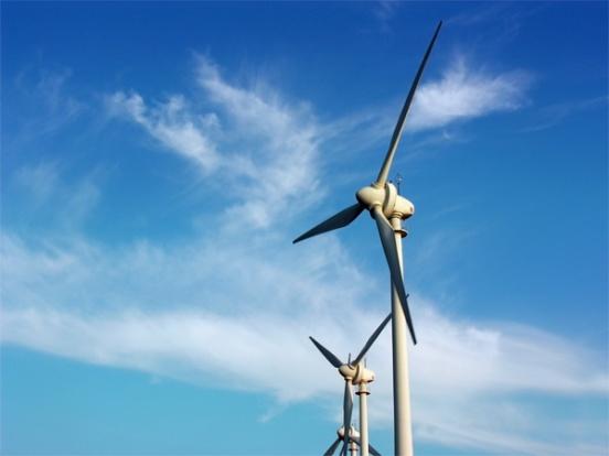 La energía condiciona nuestras vidas y la política internacional, y es el principal factor de la degradación ambiental.