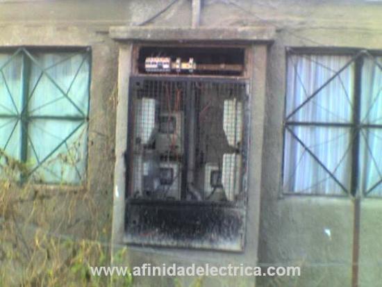 Dados los constantes hechos de vandalismo y manipulación, las instalaciones se encontraban en un estado extremadamente precario y peligroso y eran comunes los accidentes, fallos e interrupciones del servicio eléctrico.