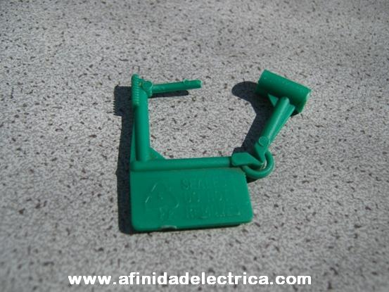 Tipo candado: utilizados generalmente para dispositivos de reseteo o ICM.