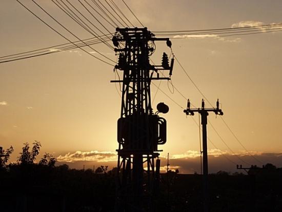 La red interconectada posibilita una amplia redistribución de la energía. El actual flujo de energía centralizado y unidireccional es cada vez más obsoleto.