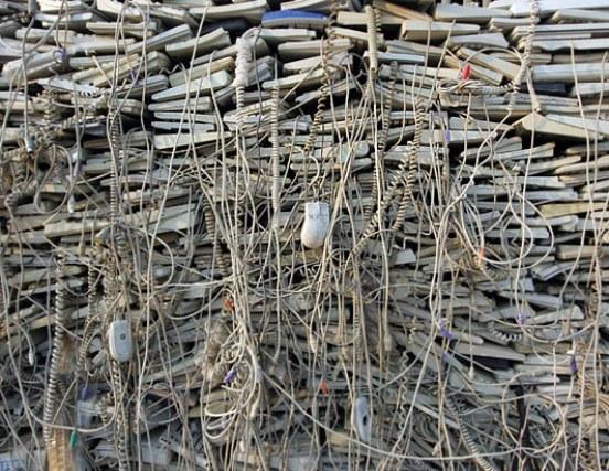 La UE también exige que los fabricantes sean responsables de la eliminación adecuada de los materiales que producen.