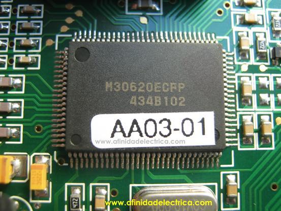 El microcontrolador M30620ECFP de Mitsubishi Microcomputers.