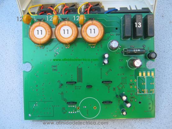 Componentes de la parte posterior de la placa de circuito impreso.