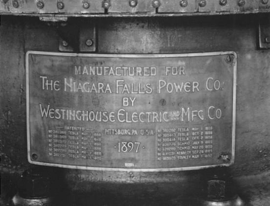 Con esta pequeña reseña se va a intentar clarificar el por qué los ingenieros de Westinghouse y AEG no se pusieron de acuerdo en una única frecuencia y por qué eligieron cada uno un valor diferente.