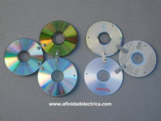 La unión se realiza mediante tornillos autorroscantes o remaches teniendo en cuenta que la cara espejada de los discos quede del lado opuesto que los conectores (cara exterior).