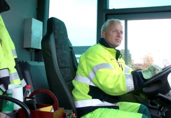 La caja del transceptor se coloca detrás del asiento del conductor.