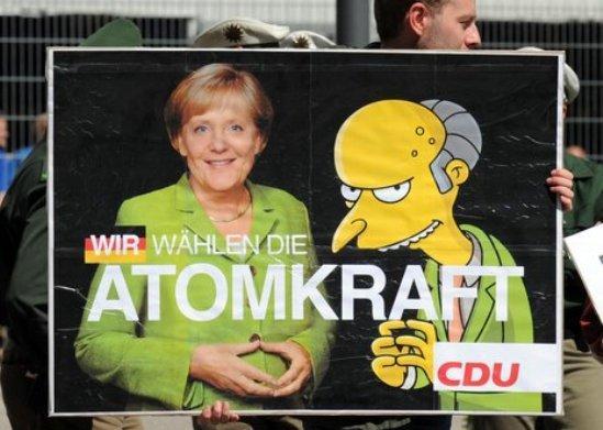 La ambivalencia de Alemania sobre la energía nuclear, común a muchos países desarrollados, ha estado a la vista recientemente, a raíz de la decisión adoptada por la canciller Ángela Merkel de prorrogar la vida útil de las 17 centrales nucleares del país durante una media de 12 años después de sus actuales fechas de clausura previstas.
