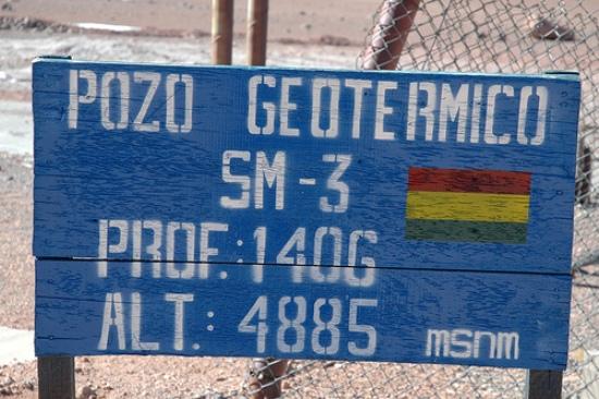 Otra importante fuente de energía geotérmica suramericana, es la que se encuentra en Bolivia, en la Laguna Colorada.