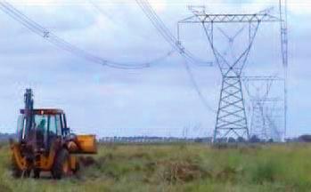 Provisión de pala cargadora para relleno de canales, zanjas, limpieza de terreno en zona de trabajo, alcantarillas, etc.