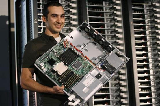 Cada año los chips de servidores se vuelven más rápidos y los medios de almacenamiento se vuelven más densos y baratos, pero la tasa descontrolada de producción de datos sube un escalón.