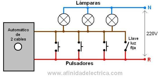 Para agregar la opción de luz fija al circuito se debe agregar un interruptor de un punto como indica este esquema: