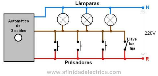Y para utilizar la opción de luz fija, se agrega una llave de un punto como indica el siguiente circuito: