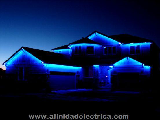 También es muy extendido el uso de este sistema en iluminación en frentes de edificios resaltando detalles y contornos.