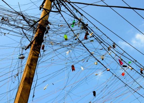 Los ocupantes de un edificio ubicado en el barrio de San Cristóbal fueron condenados a cuatro meses de prisión por robar electricidad.