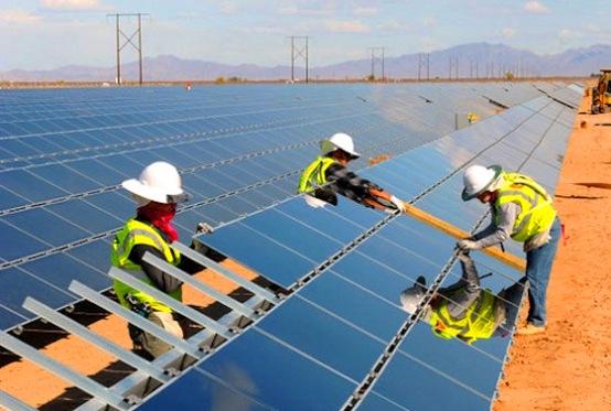 También otros países, como Marruecos, Argelia, Libia y Egipto han manifestado interés por la energía termosolar. Pero sigue habiendo un obstáculo importante: la construcción de estas plantas requiere enormes inversiones iniciales.
