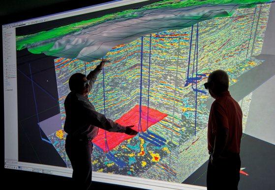 Se necesitaron años de experiencia y avances tecnológicos en distintas ciencias para hacer del horizontal drilling una técnica física y económicamente factible.
