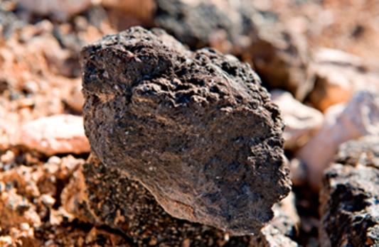 El shale gas es simplemente gas natural. No obstante, su nombre lo diferencia debido a su procedencia, el esquisto (o shale, en inglés).