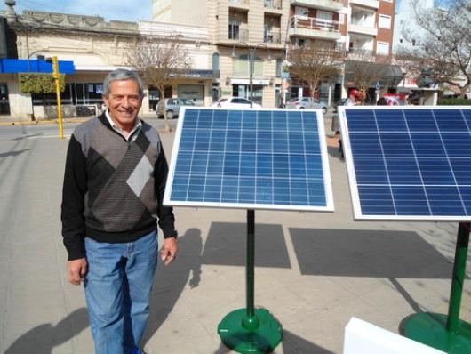 Vallejo, gracias al sol, puso en funcionamiento las maquinarias de una papelera en Lanús.