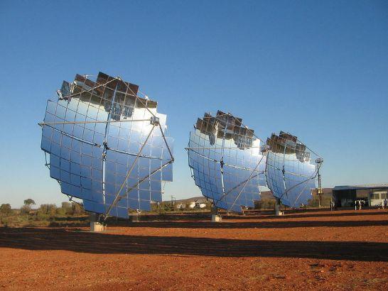 """Una de las partes más importantes de esa política energética, llamada """"20-20-20"""", es reducir el consumo total energético un 20% de aquí a 2020 mientras se aumenta la parte de energías renovables hasta otro 20% para la misma fecha."""