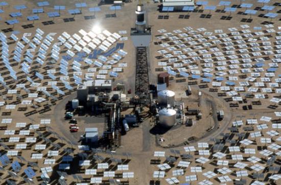 Desde el punto de vista técnico, no es problema llevar la electricidad hasta Europa, según el experto. La energía solar sería conducida a través del Mediterráneo, no como corriente alterna, sino como corriente continua.