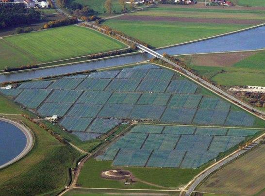 Los científicos están haciendo un llamamiento a la creación de una serie de granjas solares enormes.