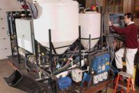Biorefinería táctica: un generador portátil que convierte la basura en electricidad.