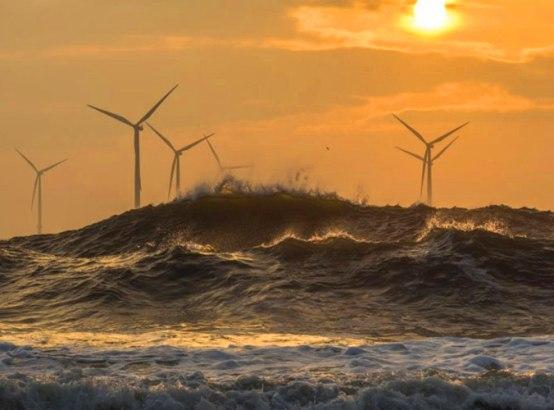 La electricidad producida por un aerogenerador evita que se quemen diariamente miles de litros de petróleo y miles de kilogramos de lignito negro en las centrales térmicas.