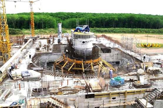 En el mundo funcionan 435 centrales nucleares, que generan en promedio ese 15 por ciento. En la Unión Europea el 35 por ciento de la energía es de origen nuclear.