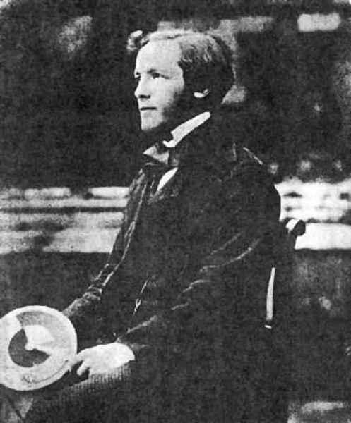 James Clerk Maxwell fue un físico escocés conocido principalmente por haber desarrollado un conjunto de ecuaciones que expresan las leyes básicas de la electricidad y magnetismo así como por la estadística de Maxwell-Boltzmann en la teoría cinética de gases.