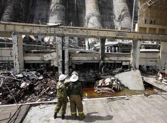 Se ha producido la destrucción de una turbina en la sala de máquinas. Los equipos han mostrado que no hubo un golpe hidráulico, sino que saltó la tapa de la turbina.