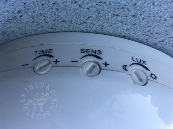 Una vez instalado el sensor, se realizaran los ajustes finos de luminosidad, sensibilidad y tiempo de activación.