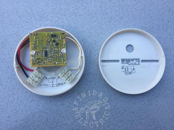 Sensor PIR RBC Sitel de cuatro cables.
