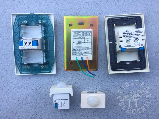 Se pueden conseguir en versiones de artefacto completo con tapa y bastidor o en módulos que encastran en bastidores existentes de las principales líneas de llaves y tomas del mercado.